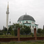 Подожженную в Саках мечеть откроют после ремонта