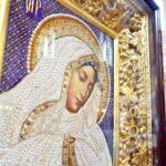 В Севастополе открылась выставка икон из бисера