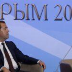 Медведев: в Крыму надо создавать автономную энергетику, завязанную на Россию