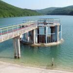 Крымские водохранилища естественного стока наполнены на 30%, наливные водохранилища - на 35,5% , сообщил министр ЖКХ республики