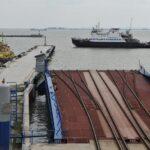 Путин поручил построить мост через Керченский пролив до конца 2018 года