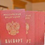 С ноября в Крыму пообещали увольнять сотрудников ФМС за очереди и ошибки в паспортах