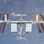 На поверхности МКС обнаружена крупная пробоина