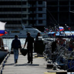Путин считает неадекватной реакцию Запада на вхождение Крыма в Россию