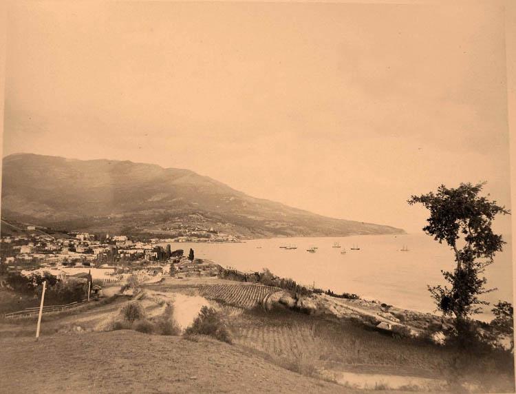 Ялта. Вид на город со стороны Ливадии