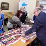 Ялтинские библиотеки получили в подарок 100 книг от меценатов с Кубани
