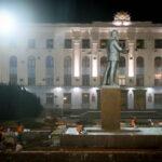 В Симферополе открыли обновленный памятник Ленину