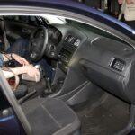 Трое работников СТО в Симферополе угнали машину клиента