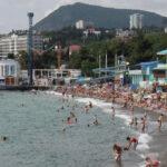 Отдых на курортах Крыма стал очень популярным у сибиряков