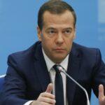 Медведев проведет совещание по развитию малого бизнеса в Крыму