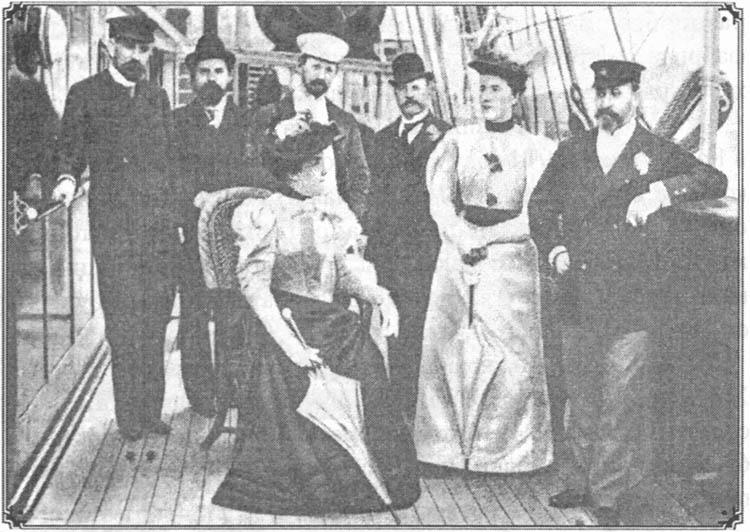 На яхте «Форос» в Каннах. 1894 г. Кузнецов крайний слева, Шмигельский — крайний справа