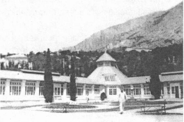 Клуб — столовая дома отдыха ленинградских текстильщиц. 1926 год.