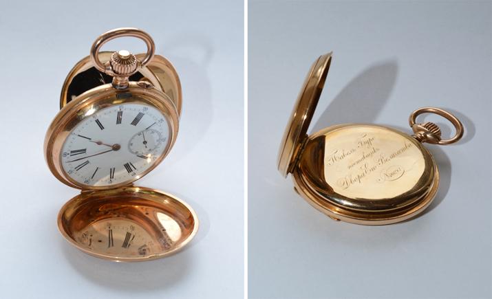 Крымские таможенники отобрали у россиянки золотые старинные часы.