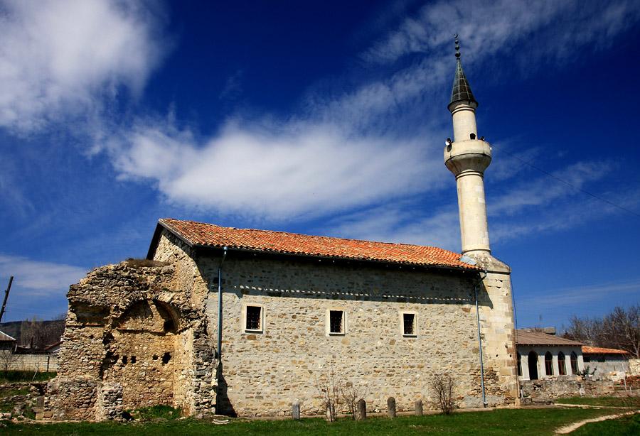 В 2014 году в Крыму пройдут мероприятия, связанные с 700-летием мечети Узбека и медресе.