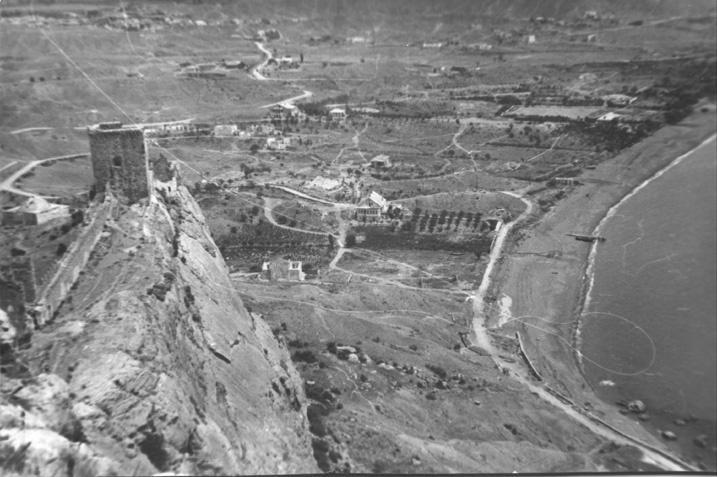 Вид на береговую линию с генуэзской крепости.