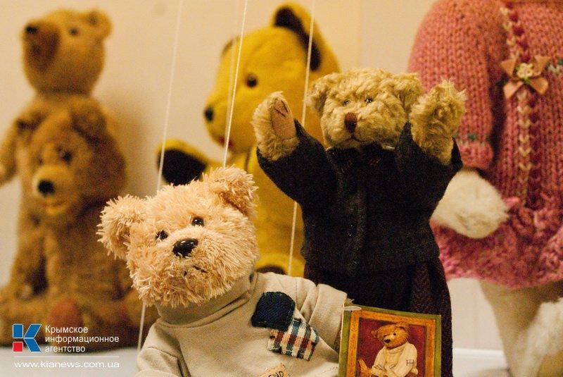 В Севастополе открылась выставка игрушек.
