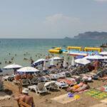 В Крыму море прогрелось до +25