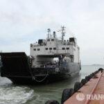 Очередь на паром в Крым за сутки снизилась в 10 раз - до 30 машин