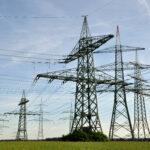 """""""Укринтерэнерго"""" уже публично предупредило об ограничениях объемов поставок электроэнергии в Крым с 3 сентября"""