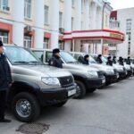 Крымским участковым вручили ключи от новых «Патриотов»