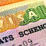 Крымчанам с украинскими загранпаспортами советуют оформить шенген до 12 июня