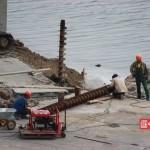 В Крыму забили первую сваю будущего Керченского моста (ФОТО, ВИДЕО)